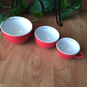 Accents - Vintage Red Measuring Cups